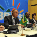 BRICSはドル以外の通貨による決済制度を模索しているとロシア政府関係者が発言