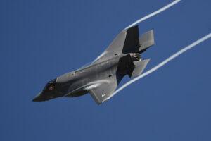 米国空軍はF-35戦闘機をF-16戦闘機の後継機とする計画に失敗したことを認める——新たな第5世代戦闘機が必要